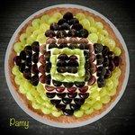 Crostata di frolla al marsala, crema pasticcera, mix di uva fresca