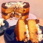 Torta panna e cioccolato con camy cream e ganache al doppio cioccolato