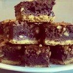 Brownies bicolori con nocciole