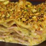 Lasagna al pistacchio e mortadella con provola