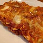 Lasagna alla bolognese con besciamella