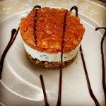 Cheesecake di salmone con riduzione di aceto balsamico