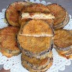 Medaglioni di melanzana con tonno e formaggio