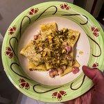 Paccheri in crema di burrata e pistacchio con pancetta croccante