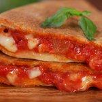 Focaccia in padella alla pizzaiola