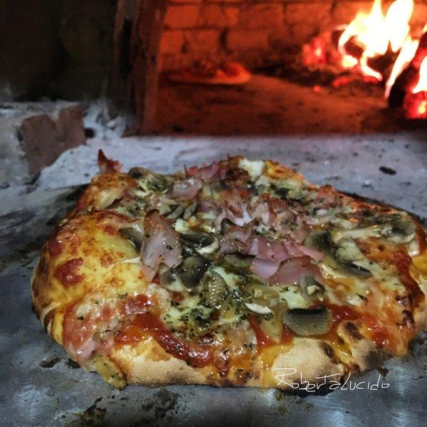 Ricetta Impasto Pizza Forno A Legna.Pizza Nel Forno A Legna Al Ta Cucina