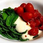 Spaghetti crema di formaggio e pomodorini