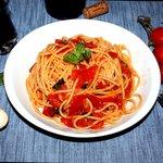 Spaghetti alla salsetta con aglio