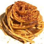 Spaghetto aglio nero e bottarga