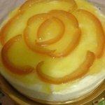 Cheesecake al limone con scorze di arance candite