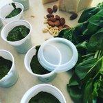 Pesto di basilico con mandorle e pinoli