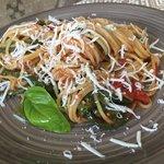 Spaghetti con fagiolini e cacioricotta