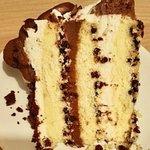 Chocolate chip cake con ganache al doppio cioccolato e crema al mascarpone