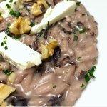 Risotto al radicchio, noci e formaggio fresco di capra