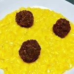 Risotto giallo e polpette di salsiccia