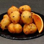 Frittelle di ricotta con arancia e cioccolato
