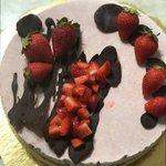 Cheesecake alle fragole con cioccolato fondente