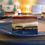 Torta svuota frigo senza cottura con crema alla vaniglia, crema alla Nutella e ganache alla Nutella