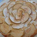 Torta di mele e cocco profumata all'arancia