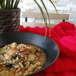 Zuppa di farro con porcini e bietole.