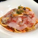 Spaghetti con vongole e gambero rosso