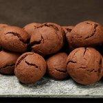 Castagnole al cacao e cioccolato