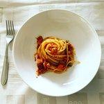 Spaghetti al pomodoro con il tonno